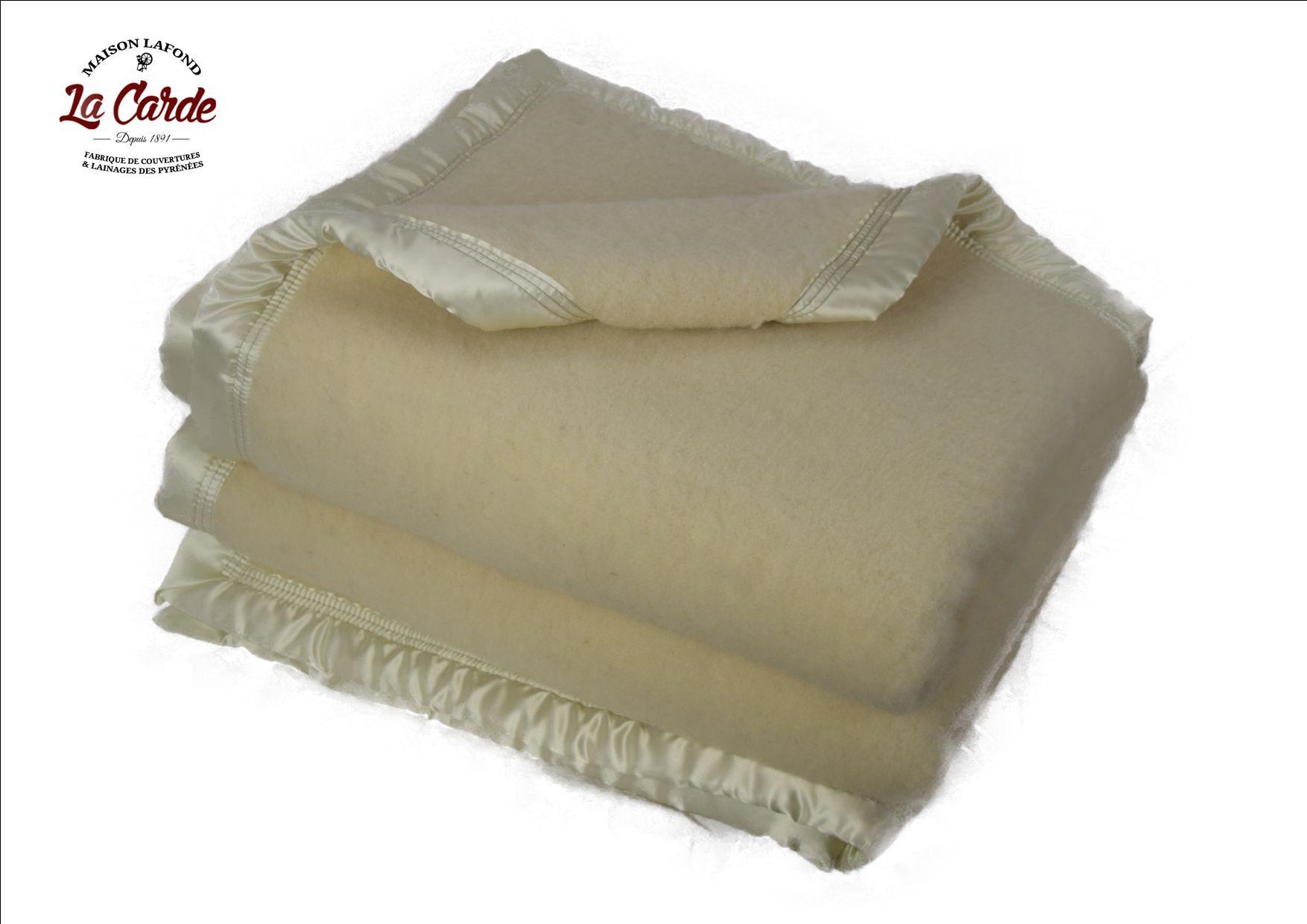 Couverture en laine blanche